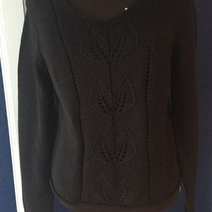 Black v neck gloria Vanderbilt xl sweater